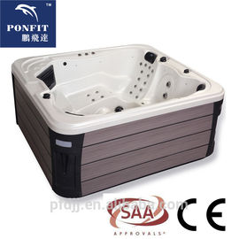 China Corner Location Freestanding Spa Ton 5 Persoonscapaciteit met Bluetooth-Sprekers fabriek